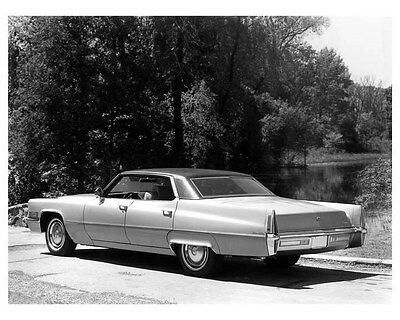 1970 Cadillac Hardtop Sedan DeVille ORIGINAL Factory Photo oua9397