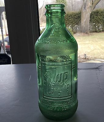 7 UP No Deposit  No Return Glass Soda Bottle / FREE SHIPPING  U.S.A. & CANADA