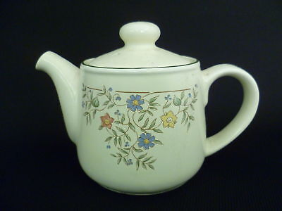BRITISH HOME STORES COUNTRY GARLAND 12cm TEA POT