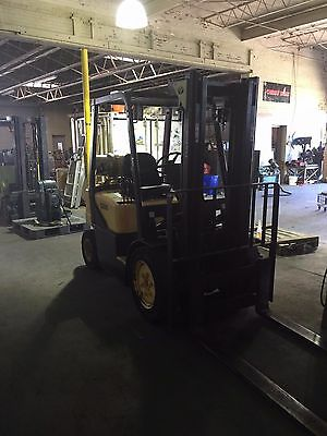 Forklift by Daewoo Model G20S-3 4000 lb Two Stage No Side Shift Great Condition