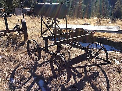 Hit and miss gas engine cart