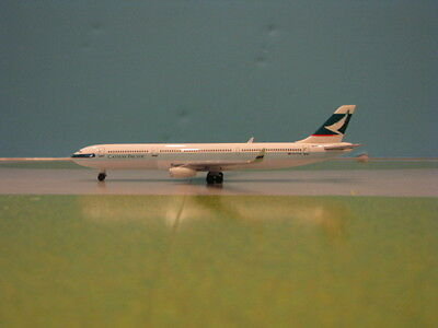 Herpa Wings Cathay Pacific A330-300 1:500 Scale Diecast Metal Model