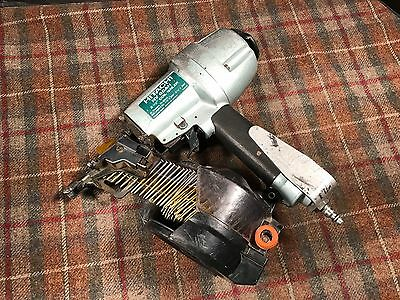 "Hitachi NV65AH 2.5"" Air Coil Siding Nailer Tool Used Works Excellent"