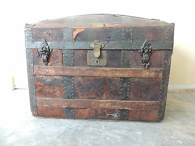 "Antique Dome Top Wood & Metal Steamer Trunk 31"" x 19"" x 24 1/2"" WILL SHIP"
