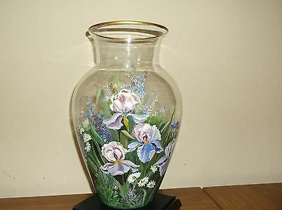 Beautiful Reversed Hand Painted Large Vase Flower Signed Melba Butts Gold Trim