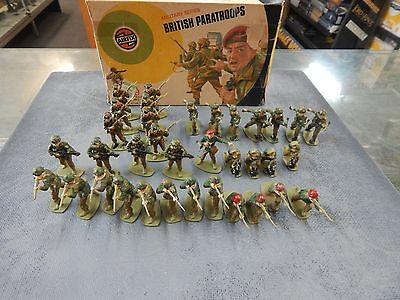 British Parstroopers 1/32 scale plastic toy soldiers by Airfix with box
