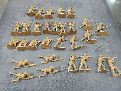 British 8th Army Infantry 1/32 scale plastic toy soldiers by Airfix no box