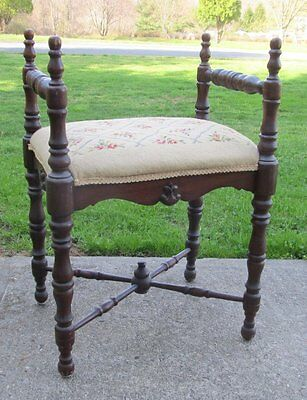 Antique Vintage Mahogany Spindle Legs Needlepoint Roses Vanity Bench Stool
