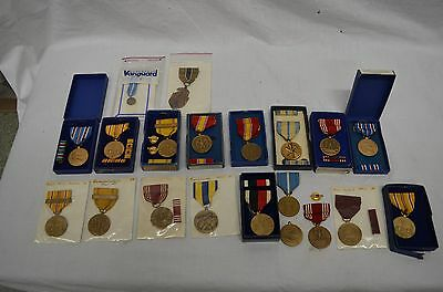 Vintage Lot of 17 WWII Medals Some in Original Boxes Pre-owned WW2