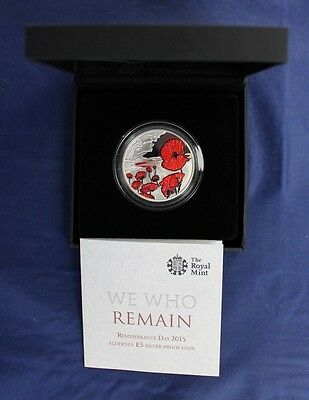 """2015 Alderney Silver Proof £5 Crown coin """"Remembrance"""" in Case with COA  (Z7/11)"""