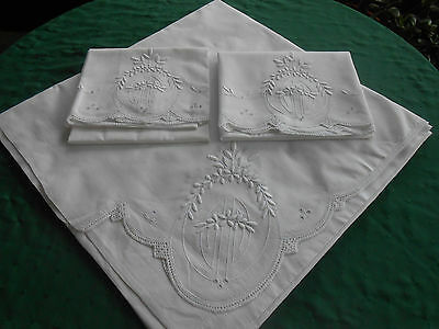 Wonderful White Sheet With 2 Pillowcases, Fantastic Padded Embroidery, Circa1920