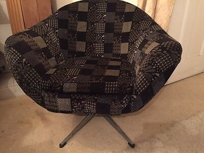 Vintage 1960s retro atomic swivel base egg Overman armchair