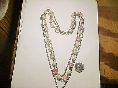 PRETTY 3 STRAND FAUX PEARL & LIGHT PINK PLASTIC CHAIN   NECKLACE--1950s--VINTAGE