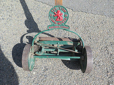HAND PUSH LAWN MOWER THE LION LAWNMOWER RANSOMES IPSWICH ENGLAND c1920s 11 INCH