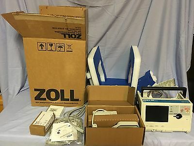 ZOLL M series Biphasic patient monitor 3-lead ECG, SpO2  (factory serviced)