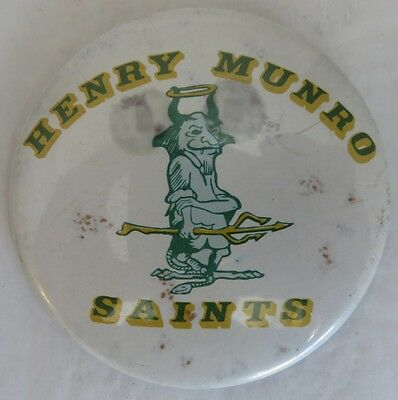 Henry Munro Saints School Pin Pinback Button - Tom Cruise Alumni      (Inv13305)