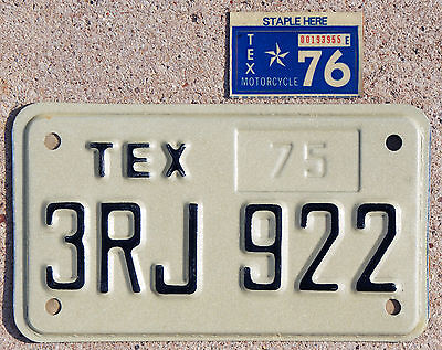 1975-1976 Texas MOTORCYCLE license plate #3RJ922  ---  MINT