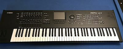 YAMAHA MOTIF XF7 Keyboard Synthesizer