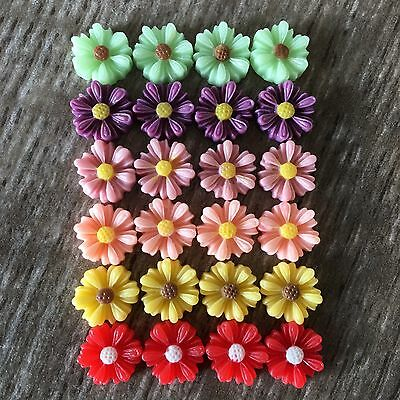 24 x 8mm Daisy Flower Resin Cabochon Flatback Embellishments Craft Scrapbooking