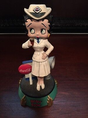 Coca Cola Betty Boop Figurine, nice condition collectible without box