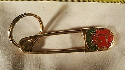 "Tanqueray Gin Giant 4"" Metal And Colored Enamel Safety Pin Key chain/Ring"