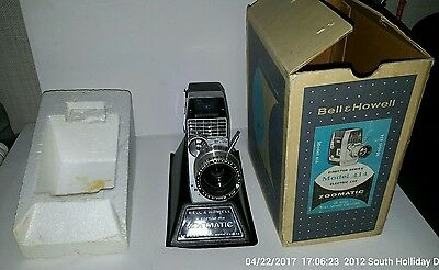 Vintage BELL & HOWELL ZOOMATIC Director Series 8mm Movie Camera Model 414