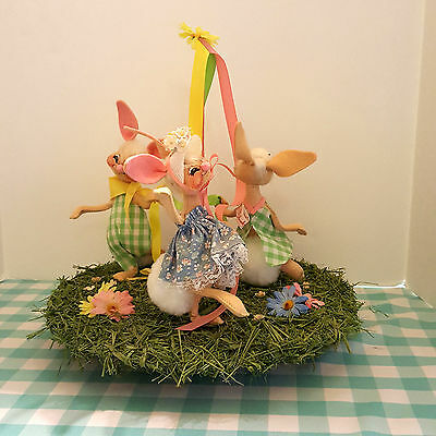 Vintage Annalee Mobilitee Animated 1988 Rabbit Easter May Pole Musical Turntable
