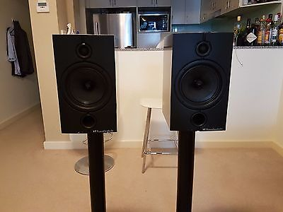 Wharfedale Diamond 8.2 Pro - Active speakers with stands