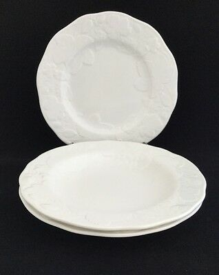 """Pair Of Wedgwood Strawberry and Vine 9"""" Rimmed Soup Bowls & 9"""" Salad Plate"""