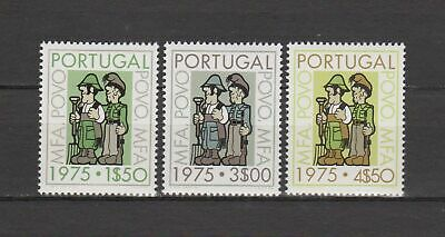 s15563) PORTUGAL MNH** Nuovi** 1975 Soldiers & people 3v