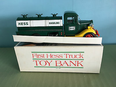 1980's FIRST HESS TRUCK TOY BANK IN BOX GREEN , YELLOW & RED  LIGHTS UP.