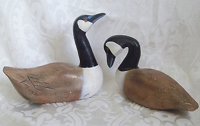 Set of 2 Vintage Wooden Canadian Geese Home Decor Decoy UNMARKED