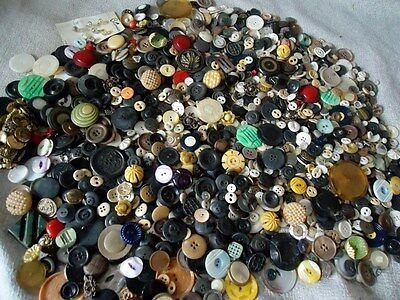 LARGE Lot of Over FIVE Pounds Antique Vintage Sewing BUTTON Bakelite Celluloid