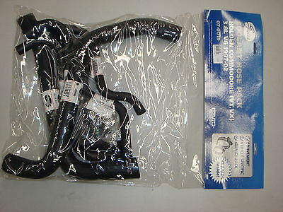 Gates Radiator & Heter Coolant Hose Pack + H-Clamps Holden Vt Vx Vy 3.8L V6