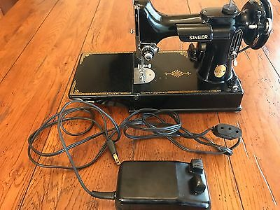 Nice 1950 Singer Featherweight Sewing Machine with case and accessories