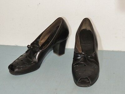 1940's Black Leather Peep Toe Shoe by Naturalizer appx 6 1/2 N