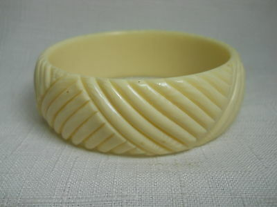 Antique Hand Carved Ivory Colored Bone Bangle Bracelet - PERFECT CONDITION!