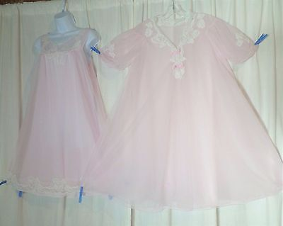 Vtg Pink Kayser 4 layer Lace Sheer Chiffon Peignoir Robe Nightgown Gown SET M