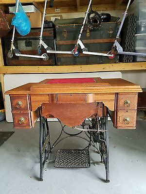 1900's Antique New Home Sewing Machine 5 Drawer Oak Wood Treadle Cabinet