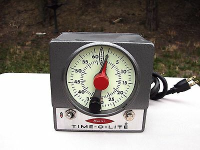 VTG Time-O-Lite Darkroom Timer Model M-59 Industrial Singer PHOTOGRAPHY USA