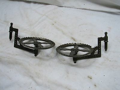 Matched Pair Cast Iron Fluid Lamp Wall Bracket Oil Light Mount Holder Swing Arm