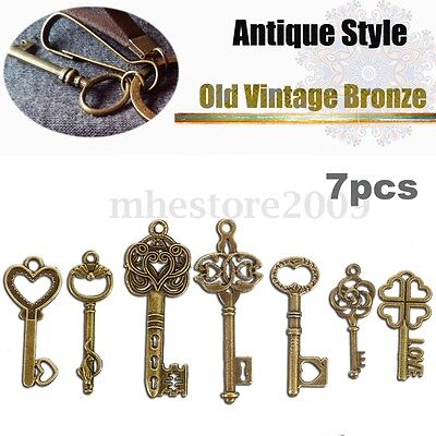 7 Antique Old Vintage Look Skeleton Keys Lot Bronze Tone Pendants Jewelry Mix