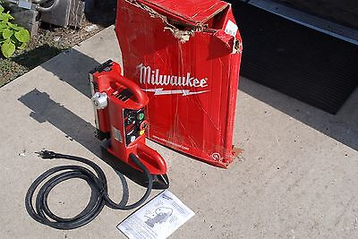 "Milwaukee 4202 Electromagnetic Drill Press Base, Fixed Position 9"" Travel New"