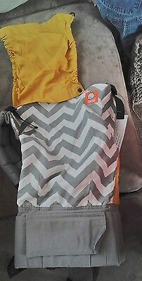 Gray zig zag standard tula new without tags