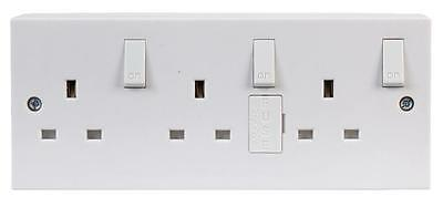 SWITCHED SOCKET 3 GANG + BACKBOX Electrical Switches & Socket Outlets