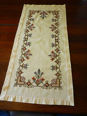 MAGNIFICENT Vintage Heavily Hand Embroidered Cross Stitch Table Runner
