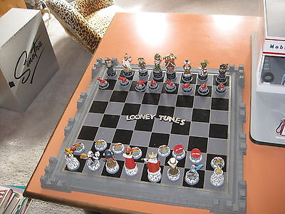 1991 Looney Tunes Chess Set by Franklin Mint