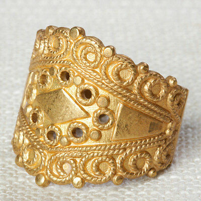 Brushed Gold Vintage Ring Crown Chunky US Womens Size 8 7I