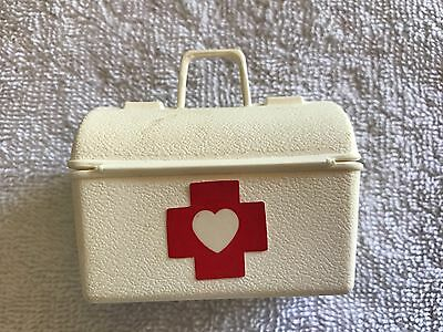 Mattel Dr Baby Doctor Barbie Doll Vet Cat Dog Medicine Bag Accessories 1993