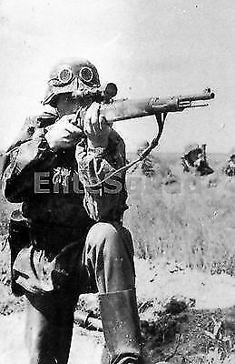 WW2 Photo Picture German Sniper K98 Mauser firing in front 278